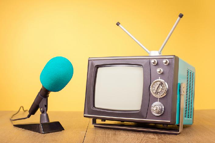 テレビとマイク