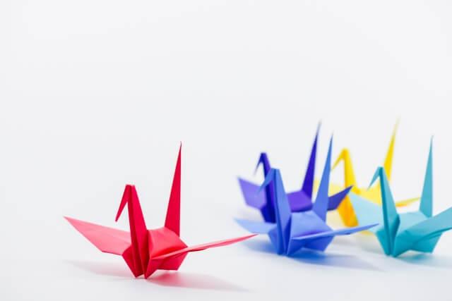 コマドリ動画の表現の一例の折り紙